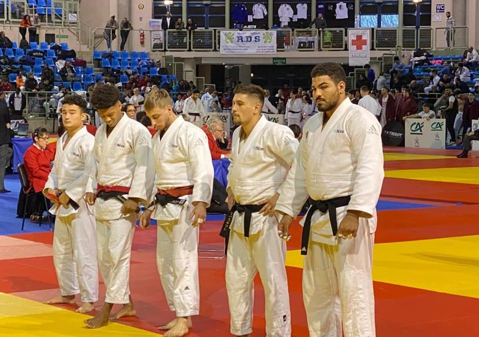 Désillusion au championnat de France par équipes juniors où nos jeunes athlètes ne sont pas montés sur le podium.